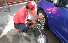 NIPPON Rent a Car always checks tire pressure and wear.