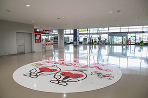 1. 【If using NIPPON Rent a Car】 There is a NIPPON Rent a Car counter on the left side of the Arrival Gate.