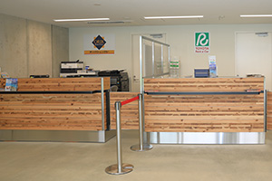 3. [For domestic flights] Please apply at the counter of the reserved car rental company.